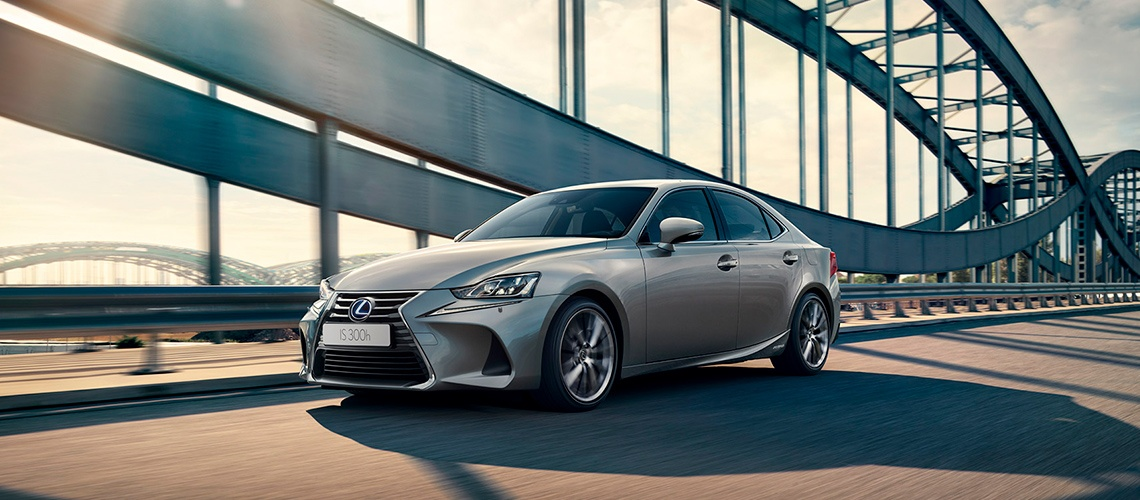 Lexus IS HYBRID